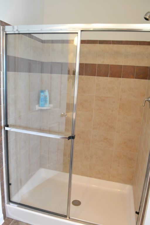 3-Sided Ceramic Shower | R-Anell Homes